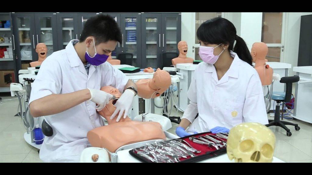 mahasiswa kedokteran gigi UI